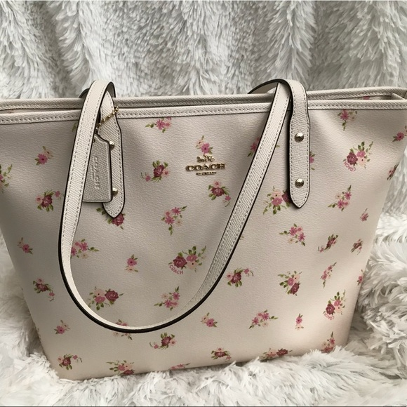 863aa43fbf87 NWT Coach Floral Zip Tote